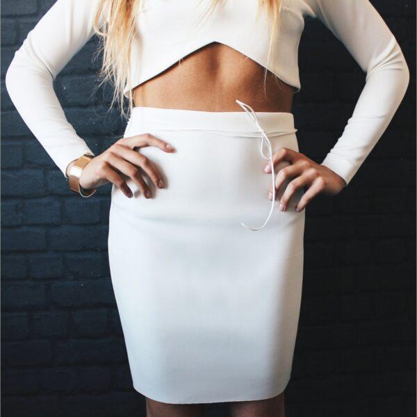 klasyczna spódnica ołówkowa mini nunu biała