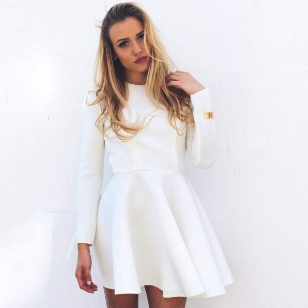 biała rozkloszowana sukienka długi rękaw nunu