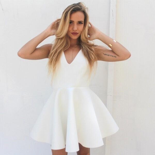 nunu biała rozkloszowana sukienka z dekoltem i bez rękawów
