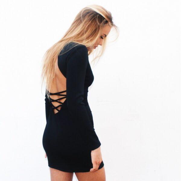 nunu obcisła sukienka z wiązaniem na odkrytych plecach czarna