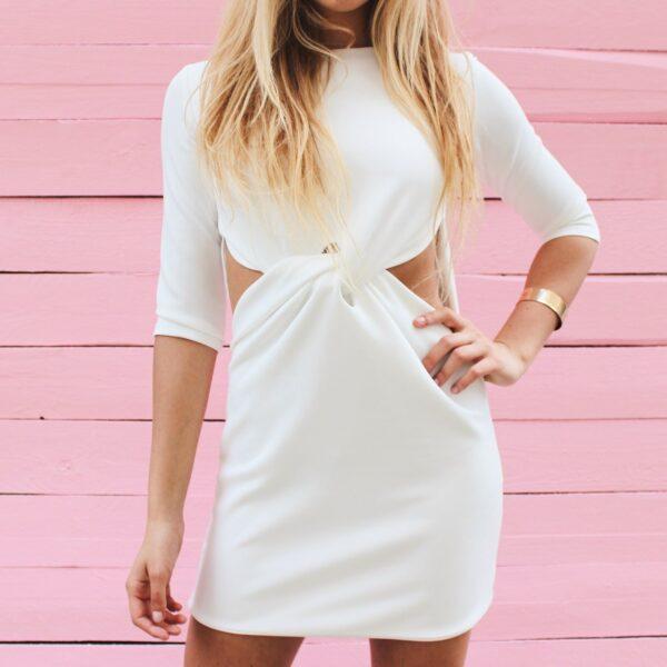 sukienka z marszczeniem w talii nunu biała